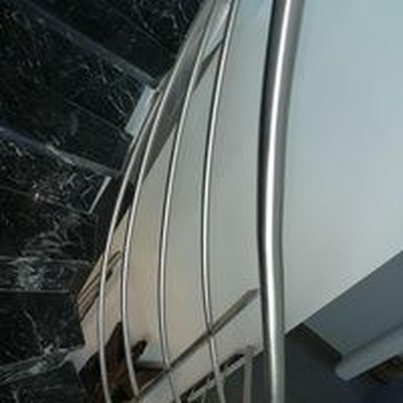 Barandilla de acero inoxidable con curvatura helicoidal: Catálogo de productos  de Icminox