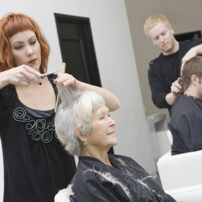 ¿Por qué es tan importante cuidar la estética en la decoración de una peluquería?
