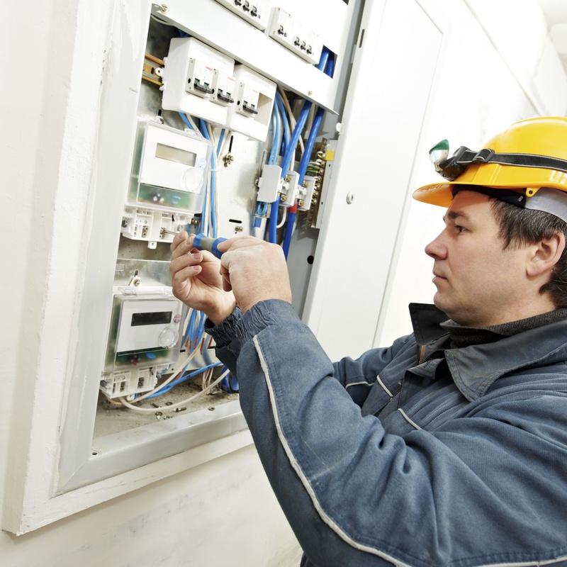 Instalaciones eléctricas de media y baja tensión: Servicios de Eleccom