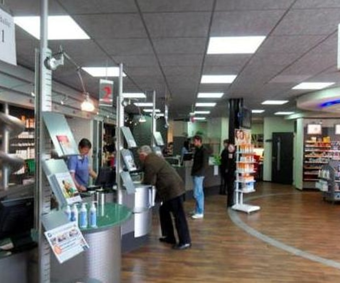 EMPOTRADOS LED EN FARMACIA EN SANTS.