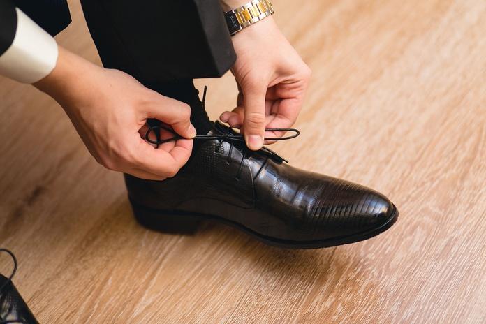Zapatos de caballero: Servicios de Zapatillas La Colmena