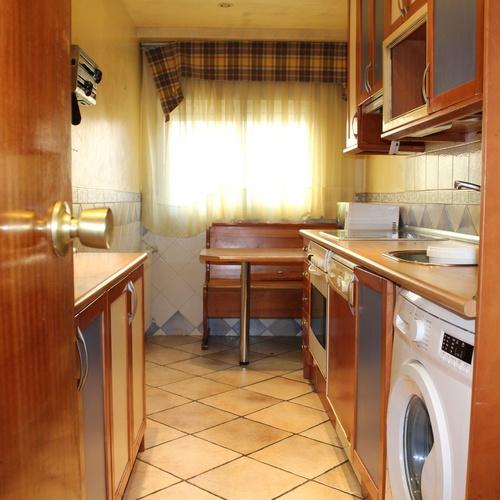 Delicias, calle Escultor Palao 13, 3 dormitorios, garaje incluido. 125.000 €