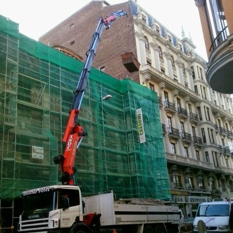 Obra de edificaciones: Servicios de Grúas Joni