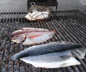 Asador de pescado en Santurtzi