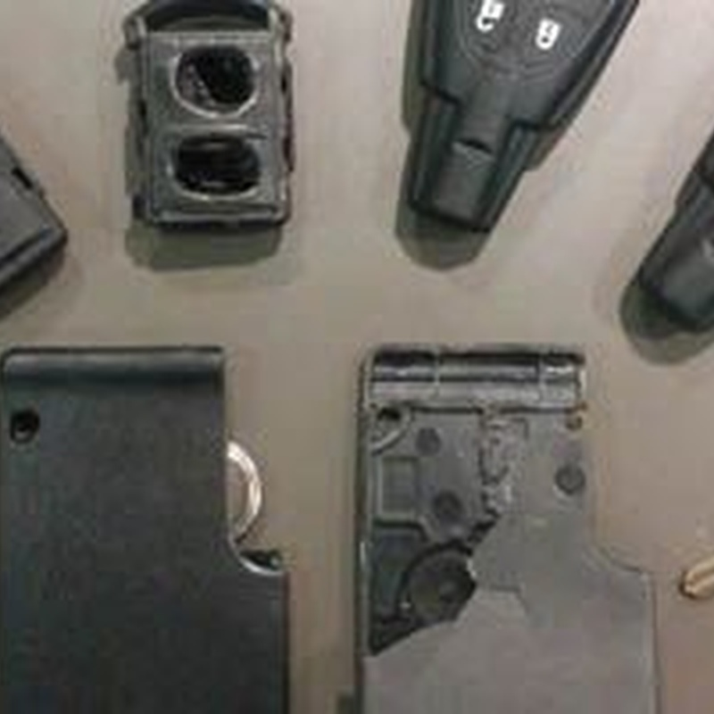 Copia y duplicado de llaves de coche y moto: Servicios de Cerrajeros Osca Hnos. Justo