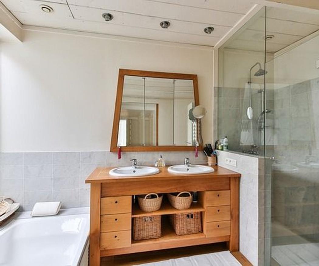 Tu baño con el mejor diseño en muebles de madera