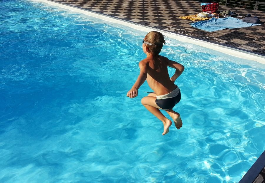 Detectores de caídas accidentales a las piscinas