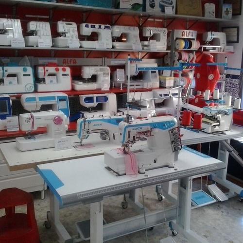 Venta de varias marcas y modelos en máquinas de coser