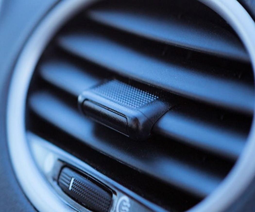 Mantén tu vehículo fresco y no solo con el aire acondicionado