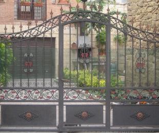 Puertas metálicas en Vitoria