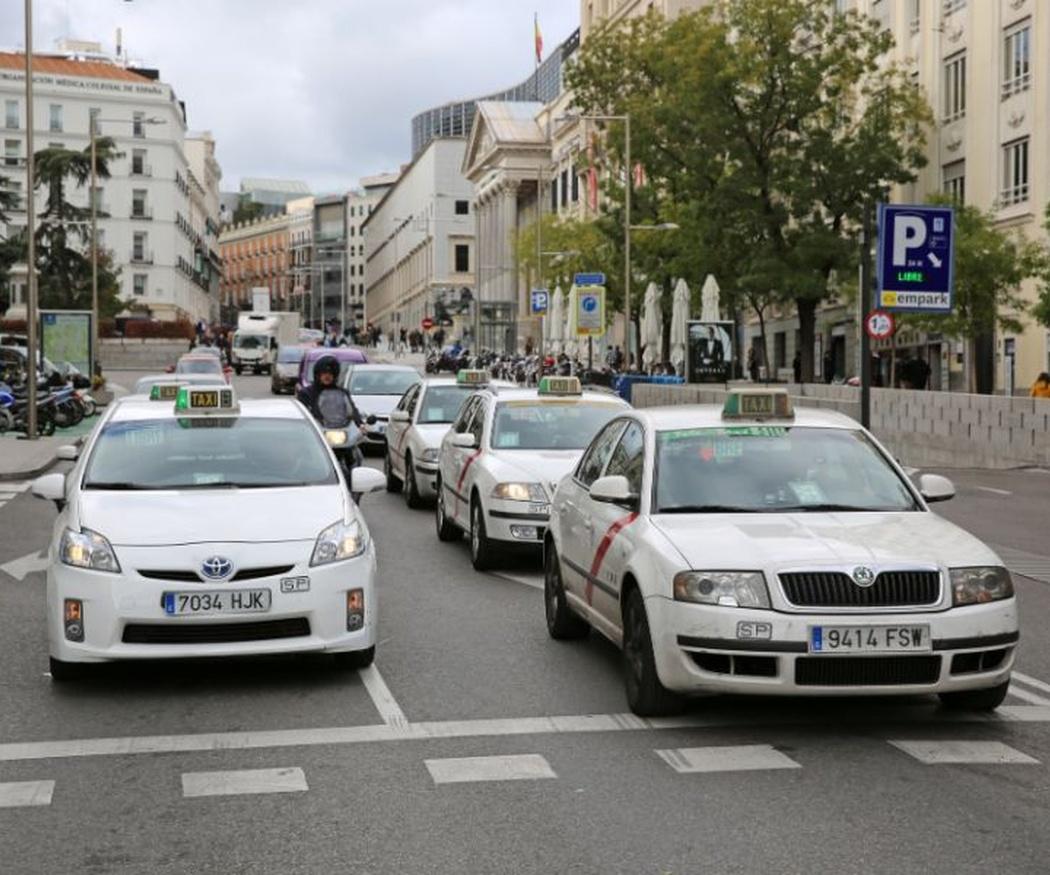 Protege tu salud, viaja en taxi