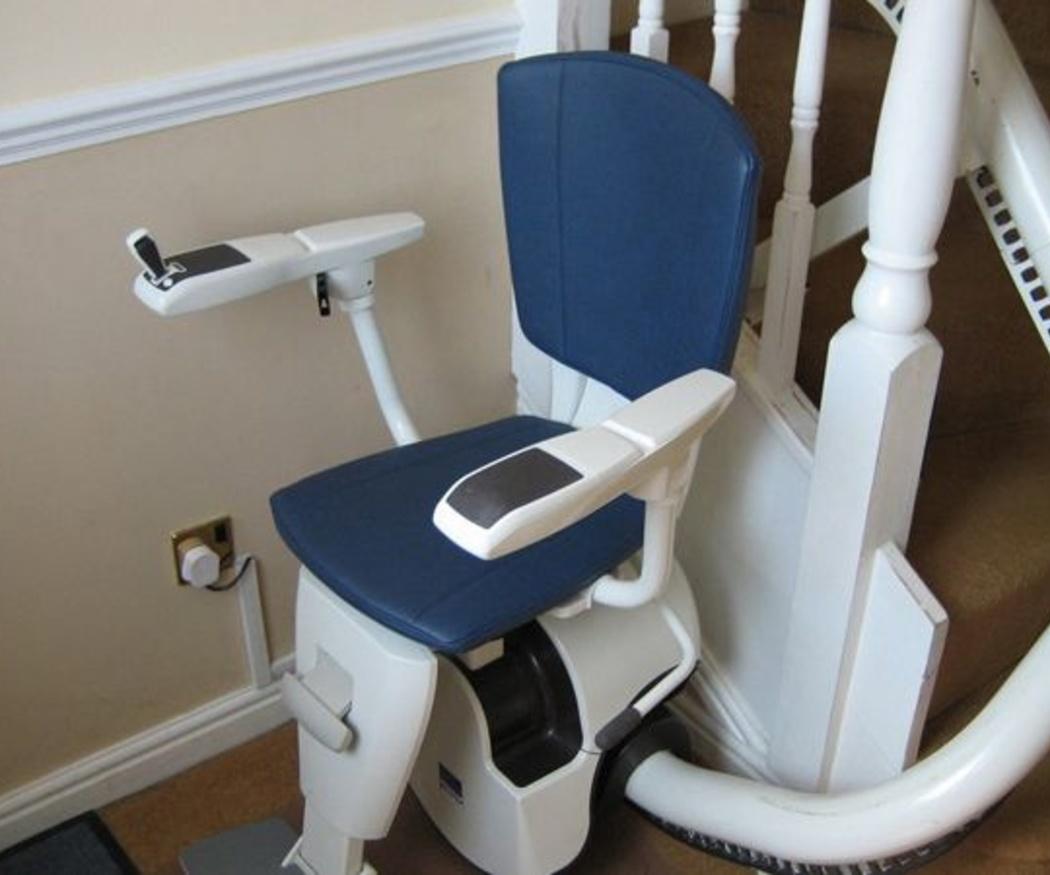 Aspectos a valorar al comprar una silla salvaescaleras