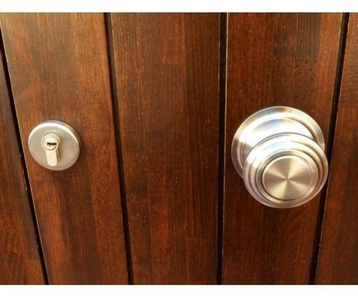 Apertura de puertas: Servicios de Apertura de puerta 49 Euros - Cerrajeros El Carbayu