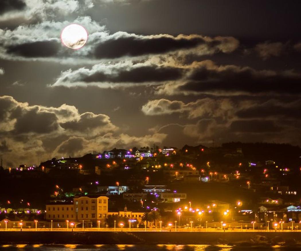 Al fútbol y de fiesta por Gijón