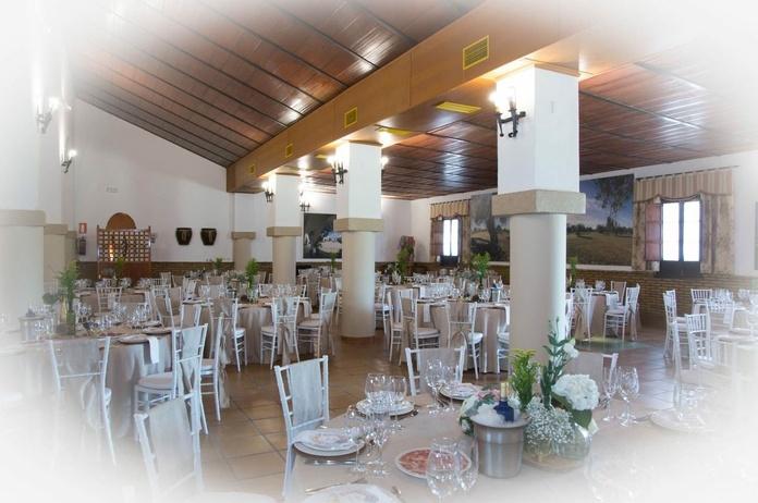Salón Principal : Servicios de Hacienda Mendieta