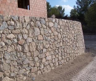 Mampostería Ripiada en piedra viva de Santomera (Mucia)
