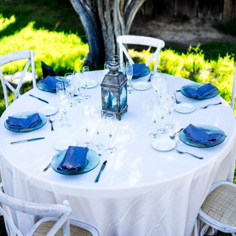 Mantel redondo beige estilo saco: Alquiler de Mantelería & Menaje