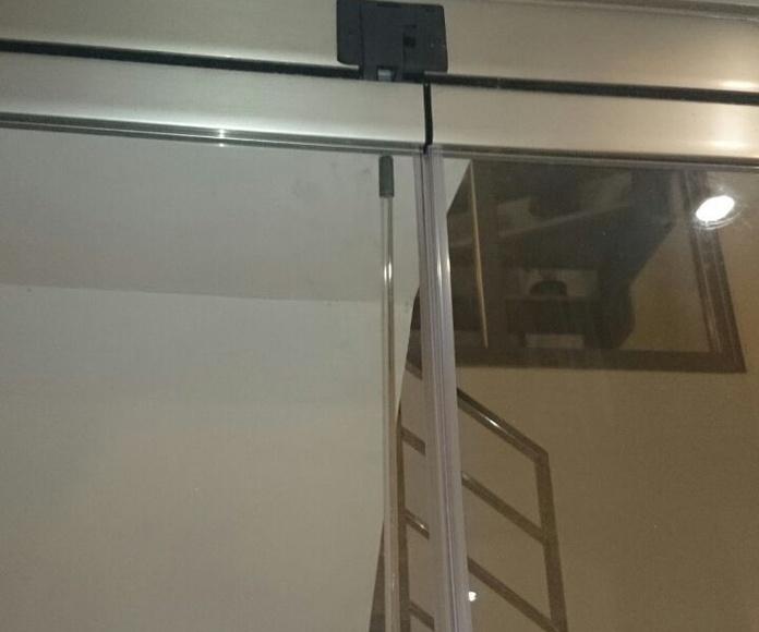 Cerramientos sin perfiles: Carpintería de aluminio de Laborda Tecnología del Aluminio, S.L.