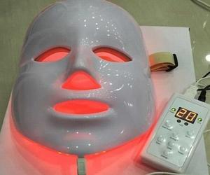 Tratamientos faciales con máscara de luz led en Lebrija