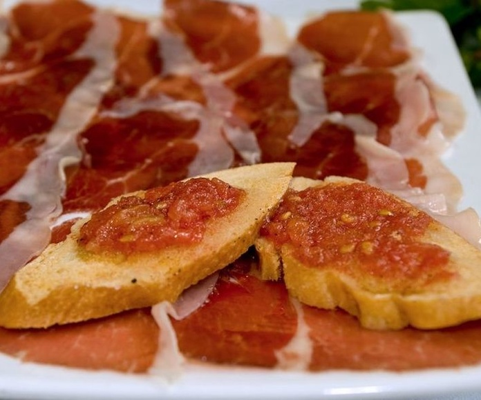 Pan con Tomate y Jamón Serrano: CARTA EL SEVILLANO de Restaurante Sevillano