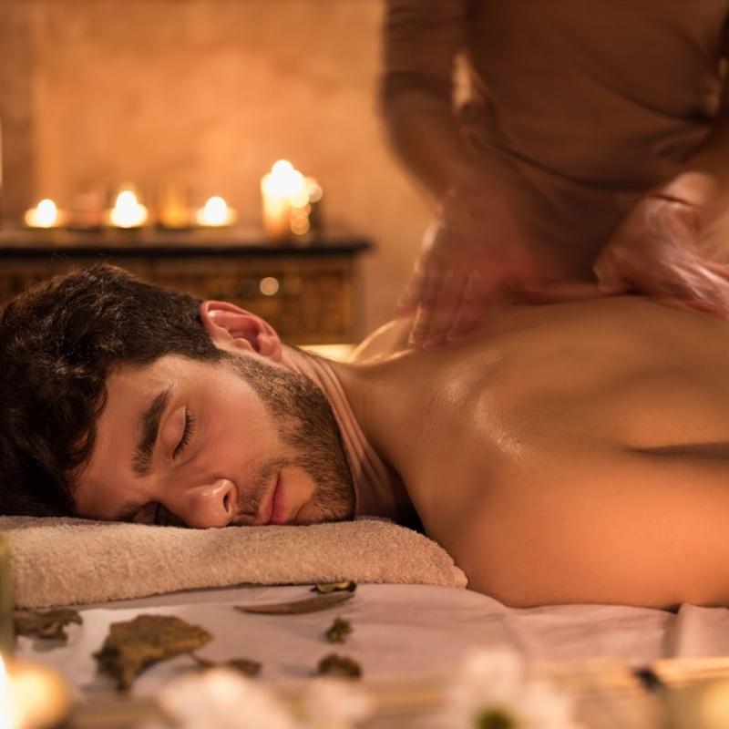 Tratamiento corporal o Special Body Man: Servicios de Salón de Peluquería y Estética Iraga