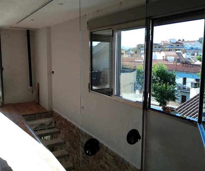 Cerramiento hueco escalera En valencia , Cerramientos Pastor