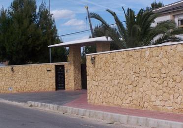 Mampostería concertada ripiada en Piedra de la Nucia