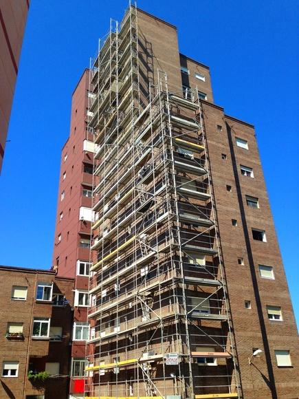 Rehabilitación y mantenimiento de fachadas con revestimiento  Santander.