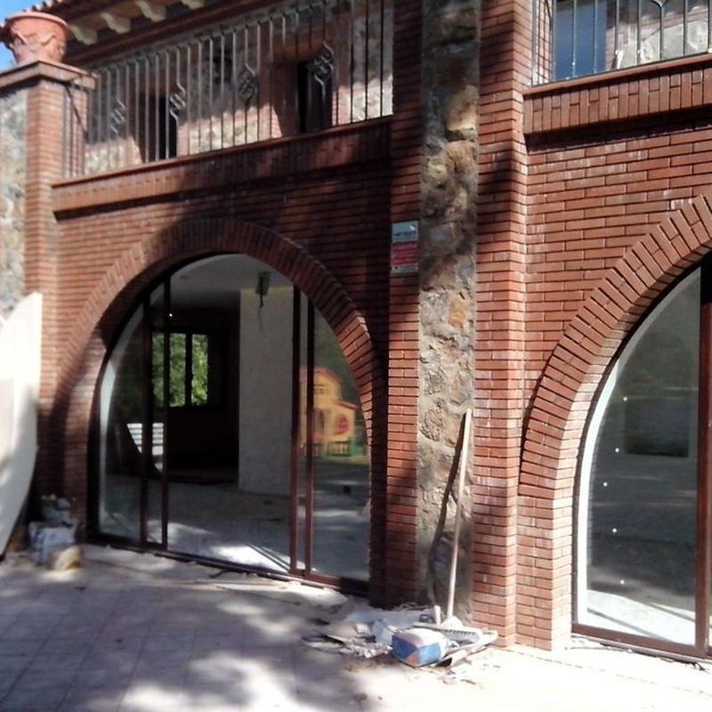 Cerramientos: Servicios de Aluminios y PVC La Raya