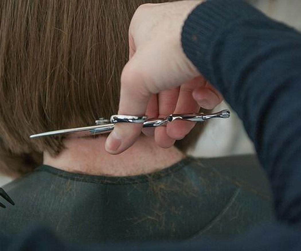 Tipos de tijeras que se pueden usar en una peluquería