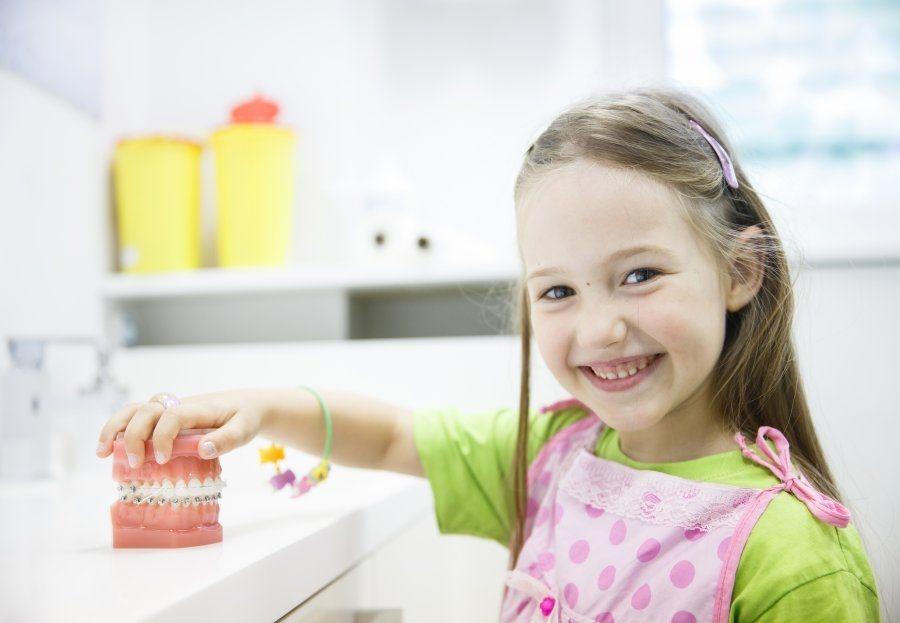 Enseña a tu hijo a ir al dentista desde pequeño