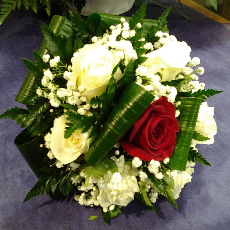Ramo de rosas: Servicios de Arte Flor