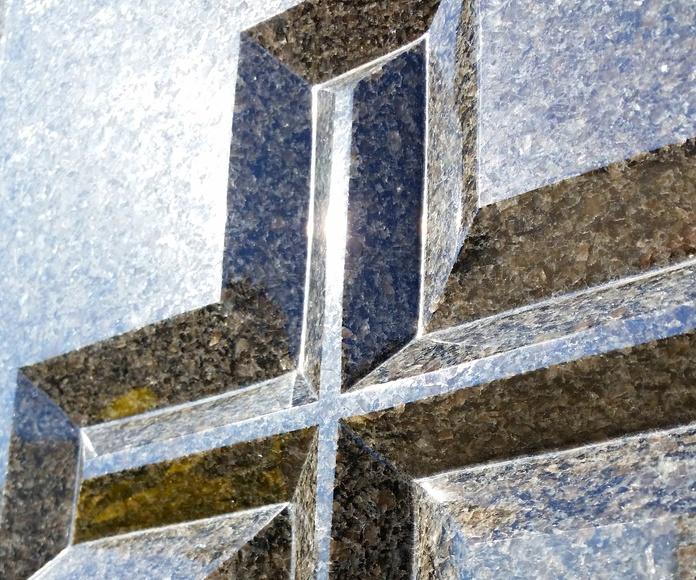 Lápidas: Productos y servicios de Mármoles y Granitos Interlap