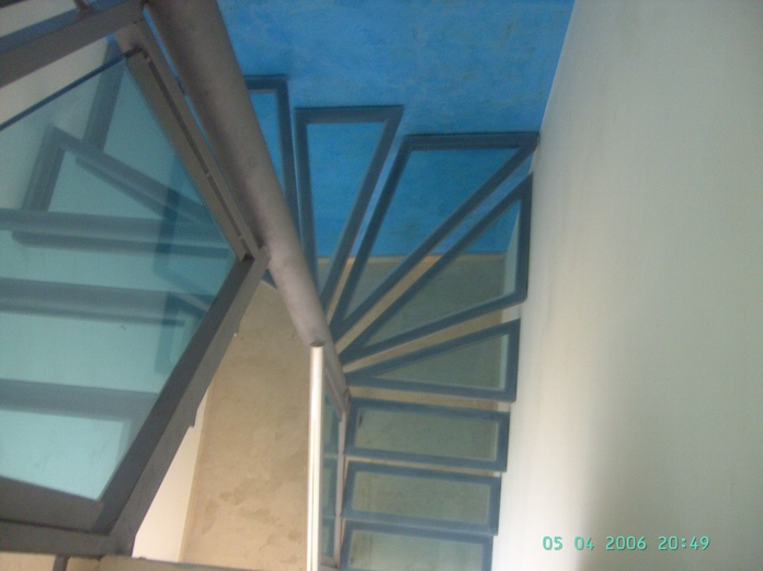 Escaleras:  de LMC Glass }}