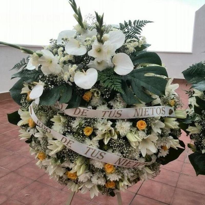 Corona Ref: 07: Productos y servicios de Funeraria El Platero