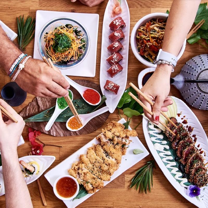 Menú completo: Carta y menús de Yoshino