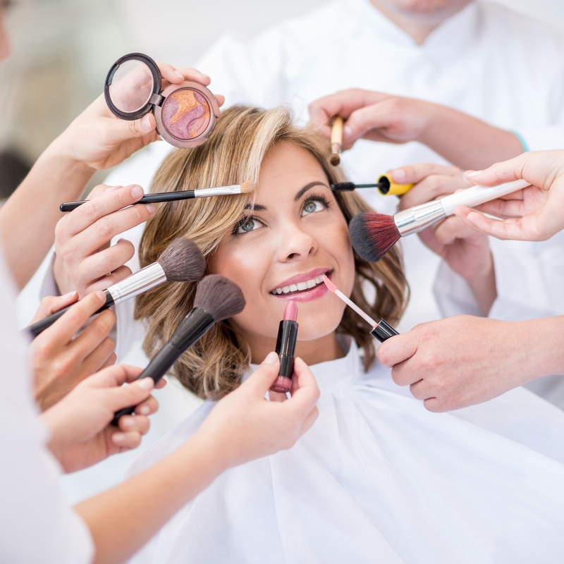 Maquillaje: Servicios of Salón de Belleza Nuevo Estilo