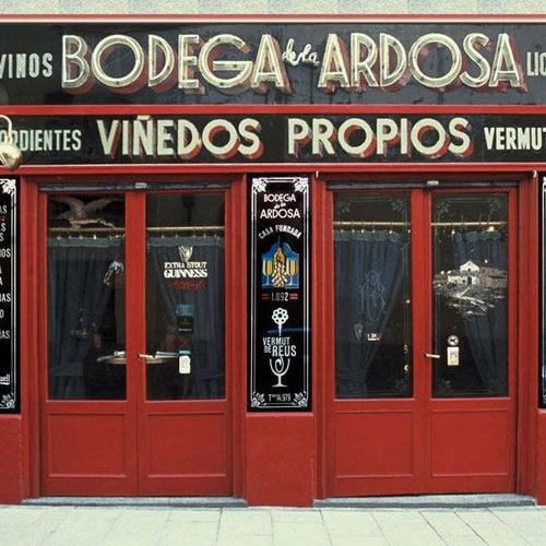 Fachada de nuestra bodega en Madrid centro