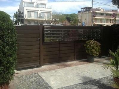Todos los productos y servicios de Carpintería de aluminio, metálica y PVC: Comercial Reyes