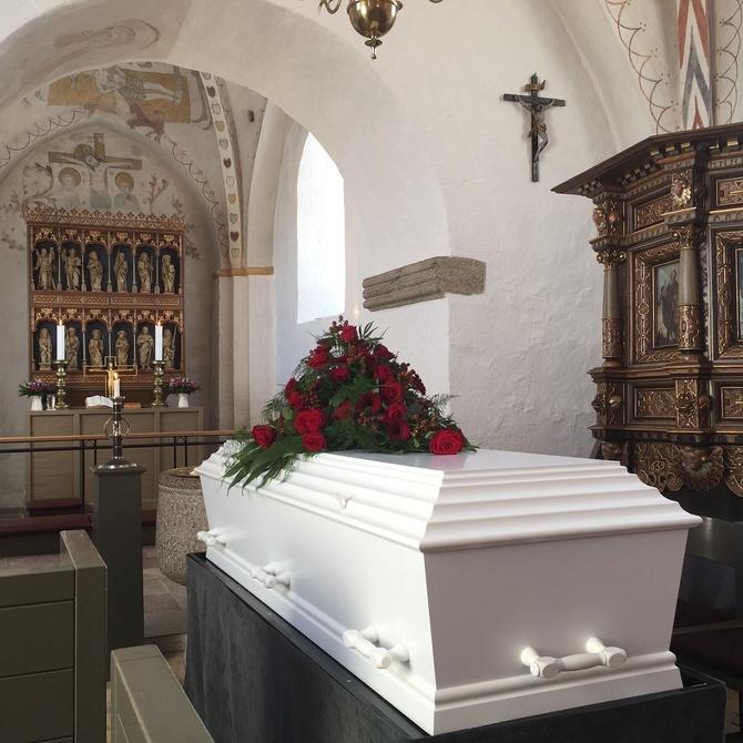 La composición de las coronas funerarias