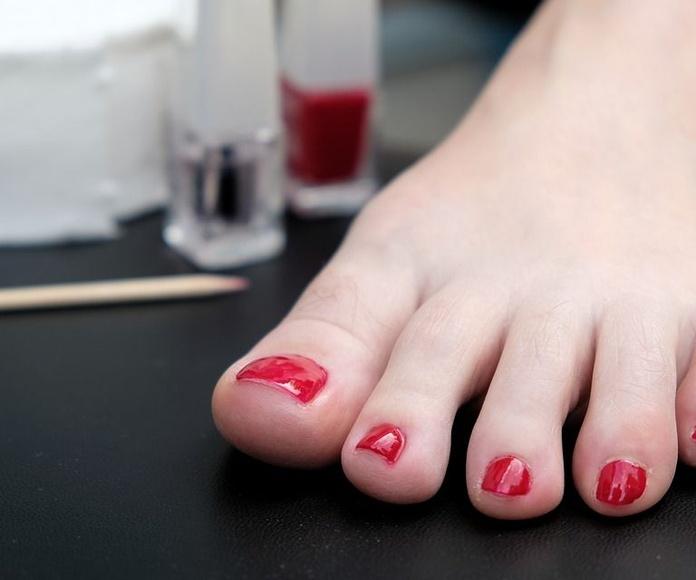 Pedicura completa esmalte normal: Servicios de Nails Madrid