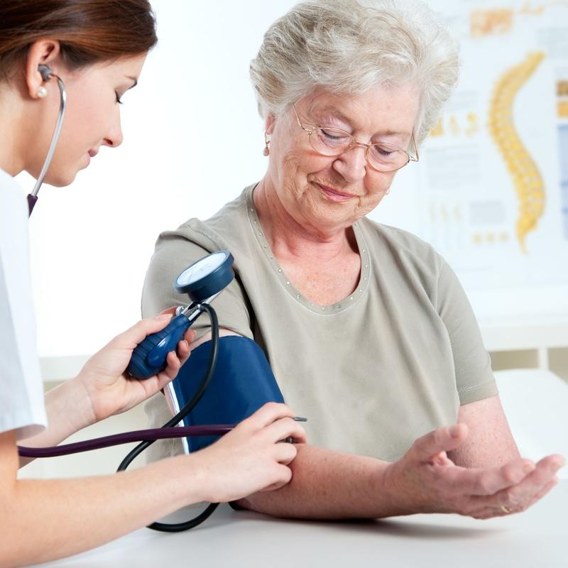 Servicio de enfermería y servicio médico: Servicios de Residencia-Centro de Día MV Geriatría