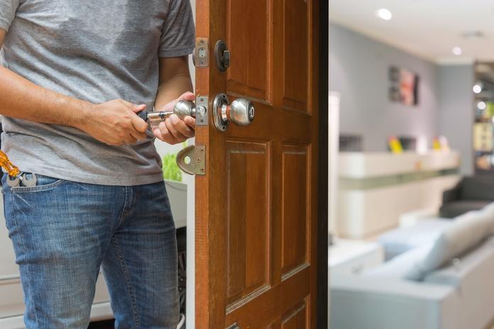 Prestamos servicios: Servicios de Cerrajero Locksmith Marbella 24 Horas