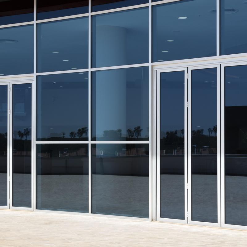 Fabricación, instalación y reparación de carpintería metálica: Servicios de Cristalería Hierro y Aluminios Rafa