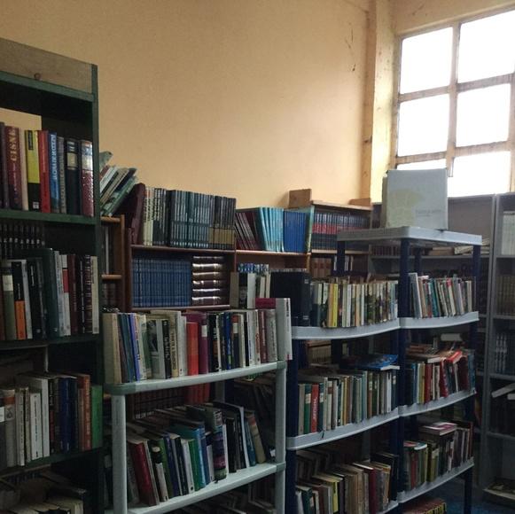 Gran variedad de libros, enciclopedias, novelas antiguos etc.. : Catálogo de Rastro Remar