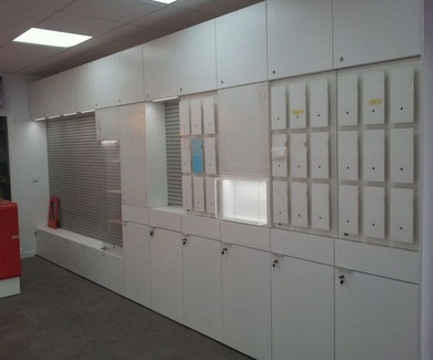 Mobiliario tienda de telefonía en Barcelona