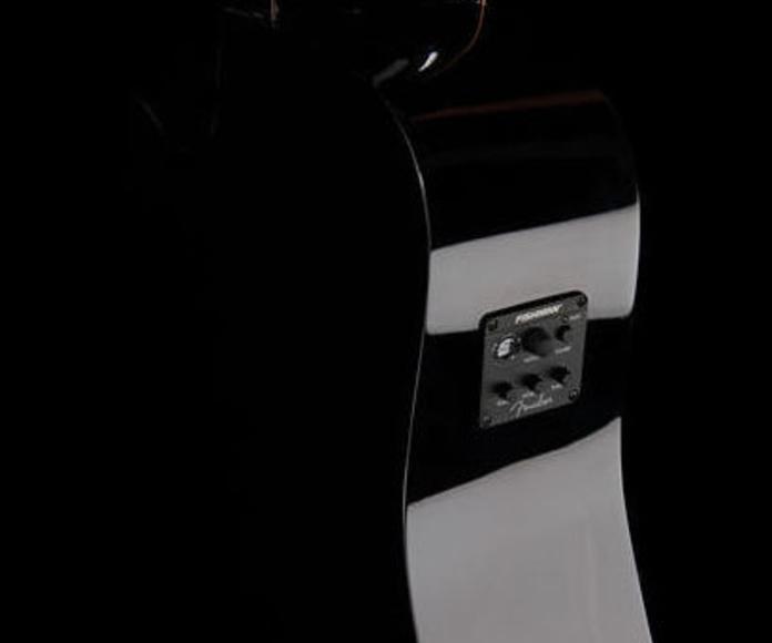 Guitarra electroacústica Fender Squier con prefio Fishman y afinador integrado.
