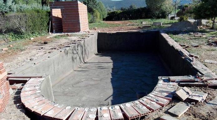 Construcción de piscinas Ciudad Real|default:seo.title }}