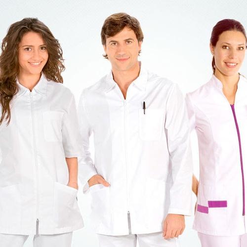 Lavado de uniformes para residencias y sanitarios en Tarragona