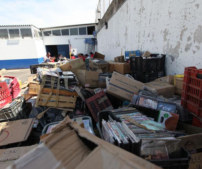 Vaciado y limpieza de naves y locales: Productos y servicios de Frada